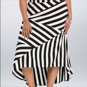 Torrid Black & White Striped High & Low Maxi Skirt